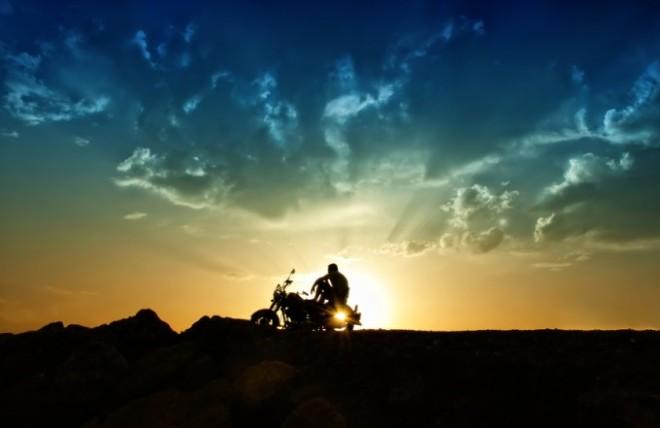 iStock_Motorcycle-Sunset-680x441
